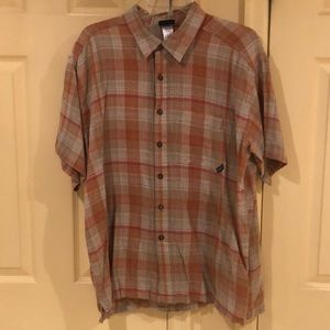 Patagonia. Men XL button down shirt EUC.